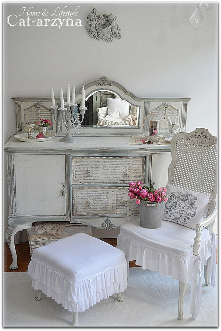 265 best images about shabby chic buffets hutches cabinets on pinterest. Black Bedroom Furniture Sets. Home Design Ideas