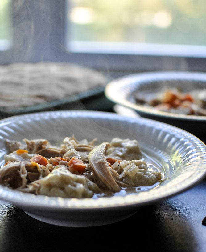 Crockpot Chicken and dumplings via @How Sweet Eats
