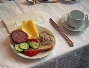 traditional Norwegian breakfast