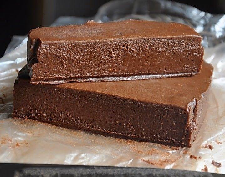 Villámgyors házi csokoládé 5 hozzávalóból! A kísértés aminek senki nem tud ellenállni!!