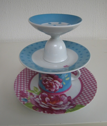 flowers and dots etagere