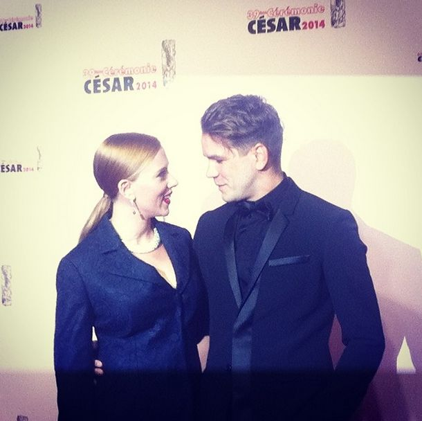 Scarlett Johansson en #Dior aux côtés de Romain Dauriac #ChristianDior, #Cesar