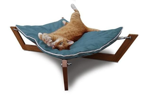 #Cat hammock - need to make this! ~ Subscribe to Ozzi Cat Magazine here >> http://OzziCat.com.au/issues