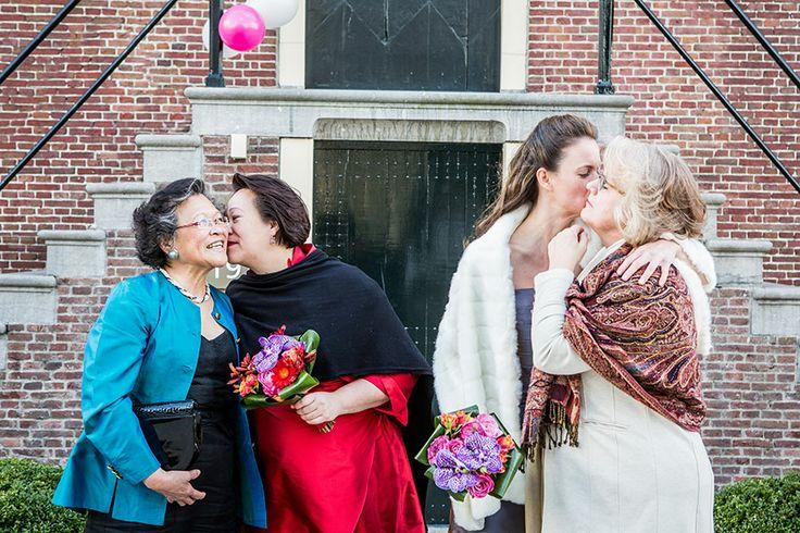 Bruid met moeder, Lesbische bruiloft, Homohuwelijk, Gay wedding, Bruidsfotografie, Trouwfotograaf, Bruidsfotograaf | Dario Endara