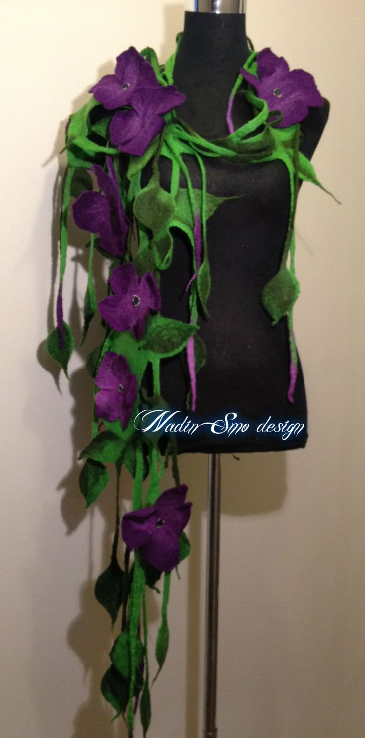 www.nadinsmo.com **CLEMENTINE** -Handmade wool felted scarf ...Flowers ...only flowers ... WANTS!