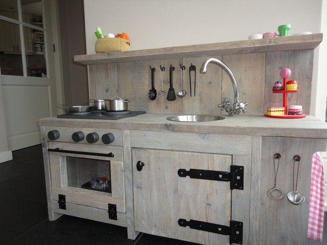 Kitchen for kids, wow!