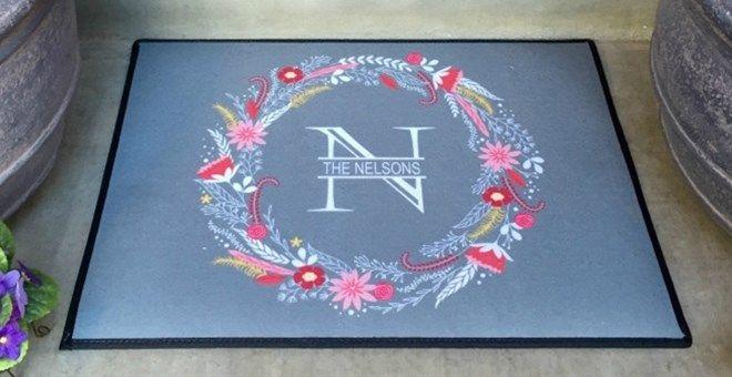 Personalized Medium Door Mats | Floral Wreath Design