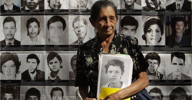 En El Salvador el FMLN gana las elecciones por 6.000 votos. Otro exguerrillero será presidente en America Latina. Entrevista a Joaquin Chavez sobre la historia de la guerra civil de El Salvador