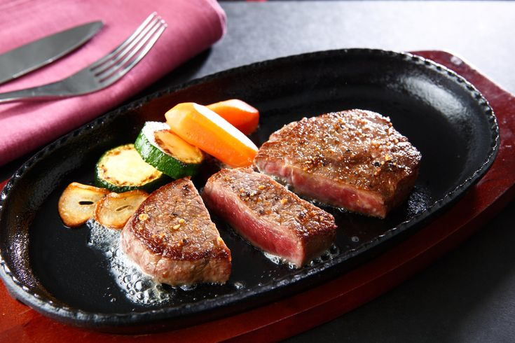 How to Cook a Bottom Round Thin Sliced Steak in a Frying ...
