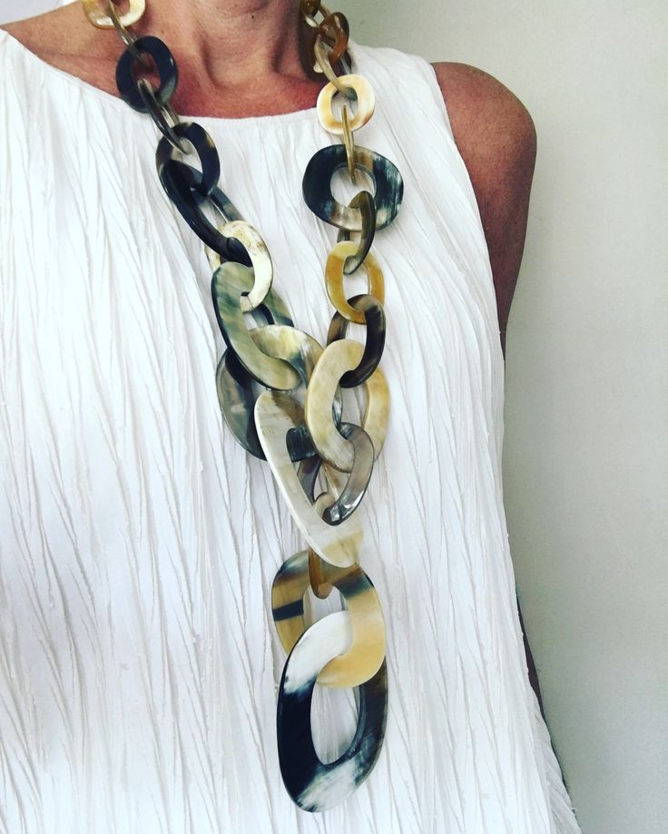 Spotted @ fashionshow! Beautiful handmade necklace of buffalo horn. Watch our Buffalo horn jewelry collection now!