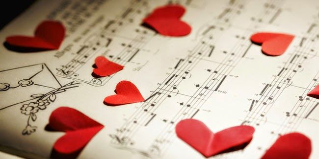 Ada ribuan lagu romantis yang telah diciptakan dan dipopulerkan banyak penyanyi, baik di dalam negeri maupun mancanegara. Tapi hanya sebagian yang memiliki makna mendalam, yang bisa menggambarkan indahnya sebuah pernikahan. Sedang mencari lagu untuk mengiringi hari istimewa Anda dan kekasih di pelaminan?