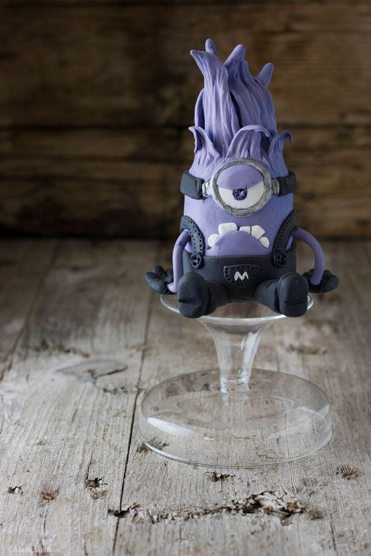 i minion viola, purple minion cake topper