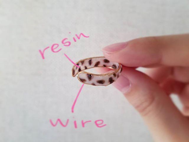 ―♡→ 苦労したのに、 否めない黒豆感🍡  #指輪 #リング #手作り #アクセサリー #ハンドメイド #ハンドメイドアクセサリー #レジン#100均 #ワイヤー #ワイヤーアート #ワイヤークラフト #白べっ甲 #べっ甲#黒豆 #handmade #ring #accessories #resin #wire #diy #fashion #craful