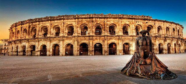 Coliseo Romano, Siglo I. Roma.   El Coliseo Romano pertenece a la época del Imperio Romano, conocido también como Anfiteatro Flavio, es el edificio más impresionante de Italia junto a la torre de Pisa, no solo fue elegido como una de las nuevas El coliseo Romano7 maravillas por su monumentalidad, sino porque es el símbolo del arte viviente de los Romanos.