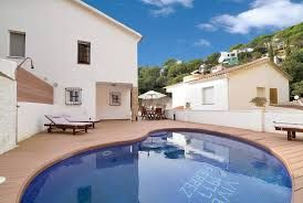 Get peace of mind by staying in Villas in Blanes