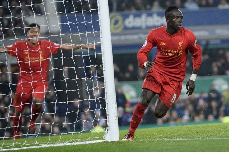 Manes late goal sinks Everton in Merseyside derby to go second