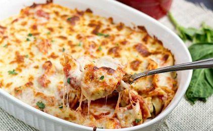 Τορτελίνια με σάλτσα ντομάτας στο φούρνο