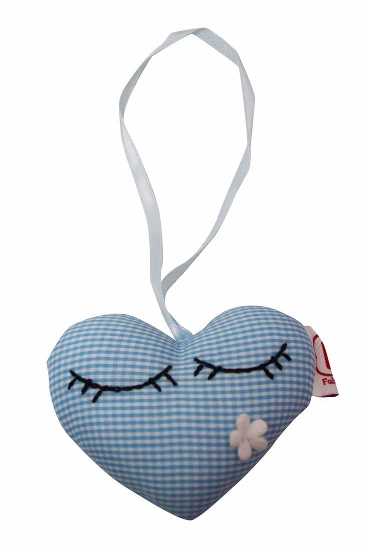 Doorhanger heart - Kasthanger hart #fabsworld #nursery #decoration #decoratie #star #ster #kasthanger #doorhanger #baby #kids #babyroom #kinderkamer #kidsdecor #newarrival #gift #kado #babyshower #babystuff #babyspullen   shop:www.fabsstore.com (ship worldwide)