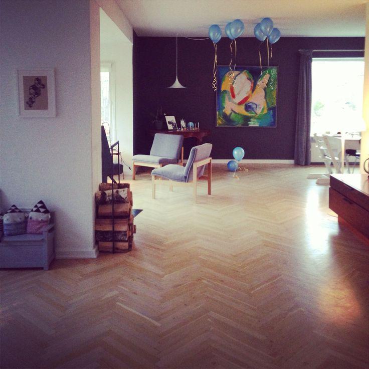 Living Room, balloons, herringbone, dark wall
