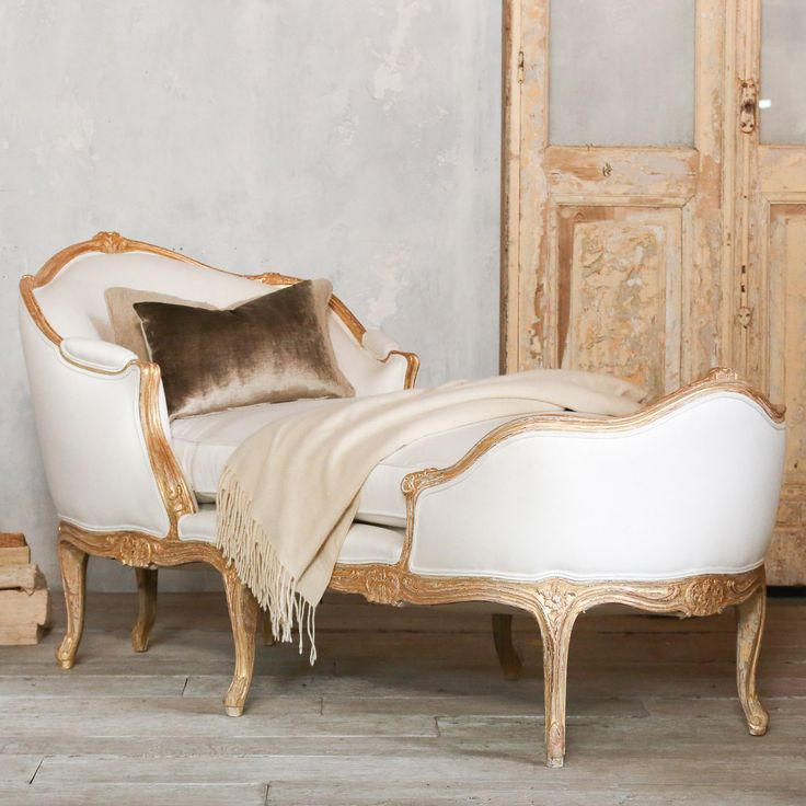 Eloquence Marie Antoinette Distressed Gold Chaise @Layla Grayce
