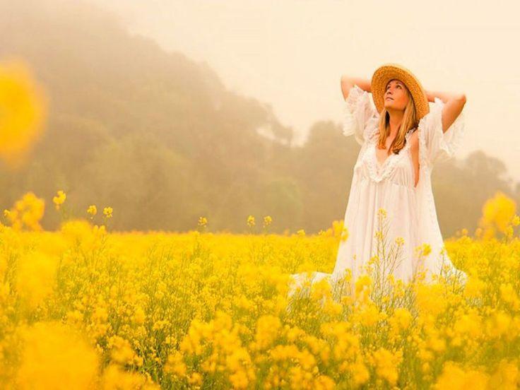 A gente às vezes se afoba e se abafa desnecessariamente. Os mais lindos bordados da vida são feitos com os fios de delicadeza, que respeitam a sabedoria amorosa do tempo do coração.  Ana Jácomo.:.
