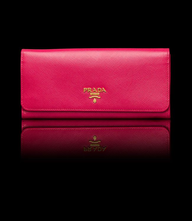 Christmas present to myself.  Hopefully this wallet will withstand a beating.  So happy I found this at the Prada outlet mall in San Marco, Texas =)