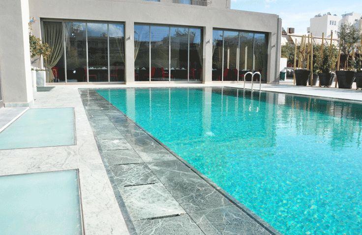 Swimming pool of Samaria hotel in Chania