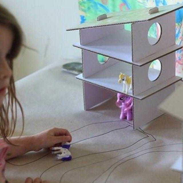 Cardboard playhouse from KreARTON www.krearton.hu