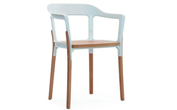 ロナン&エルワン・ブルレックの「Steelwood Chair(スチールウッドチェア)」。スチールとウッドという異素材が融合した新しいスタンダードチェア。