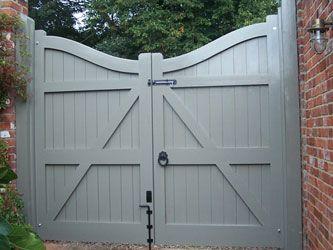 Orwell Pine Driveway Gates