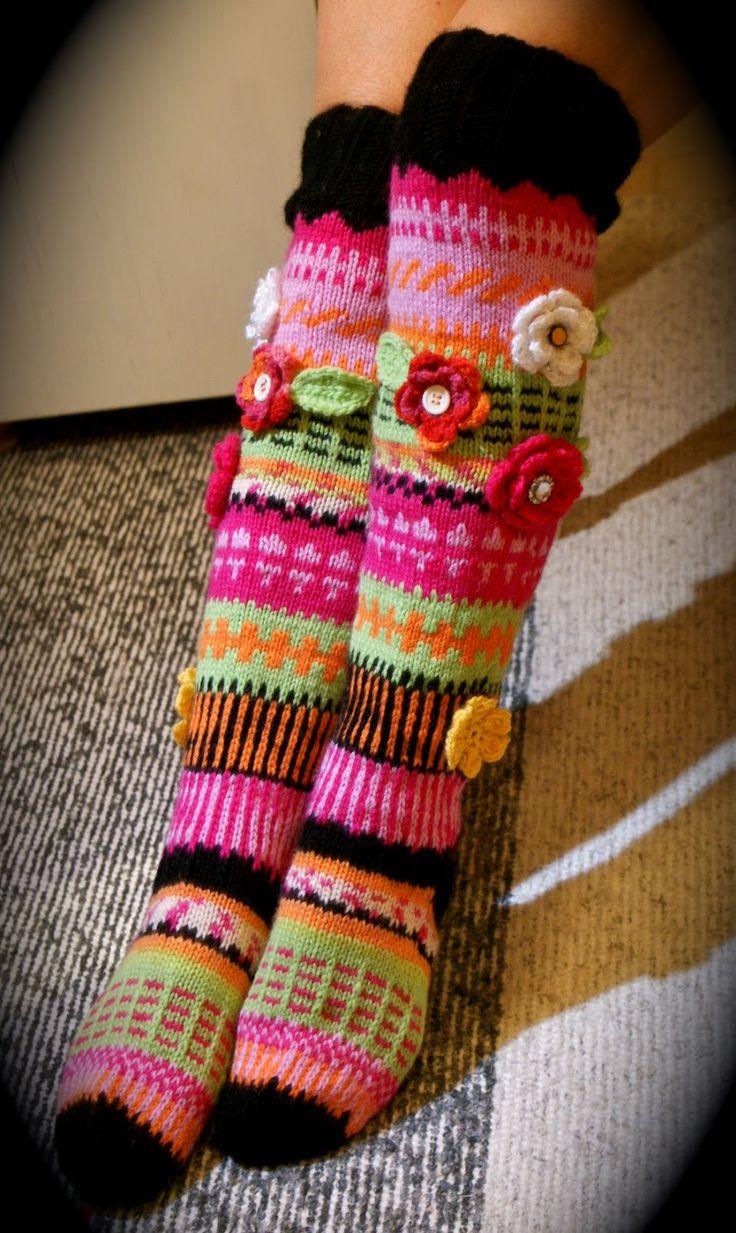 Knitting Patterns For Funky Socks : 166 best images about Anelmaiset; Anelma Kervisen sukkia ...