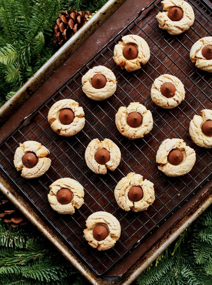 Easy Peanut Butter Kiss Cookie Recipe