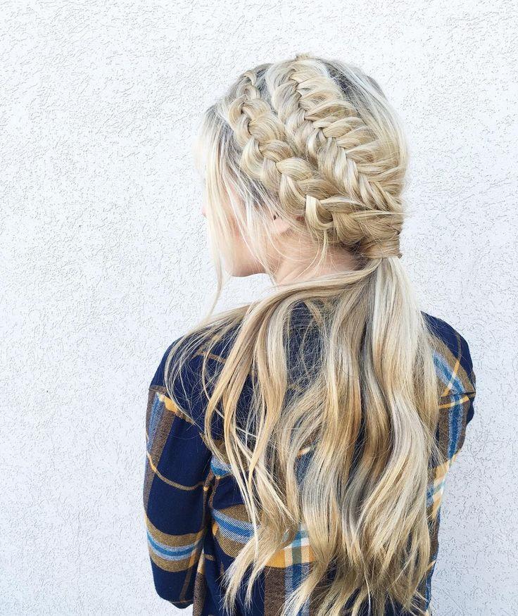 Chica con una corona en forma de trenza cola de pez