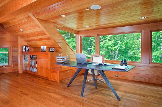 "Inbox only: Take a cue from this house in Maryland, in which the home office is dedicated to the world outside. The desk is unencumbered by drawers, and holds only a computer and an inbox. Nearby, wood cabinets and drawers hold ""cold storage."" Photo by James Ray Spahn.  Photo by: James Ray Spahn"