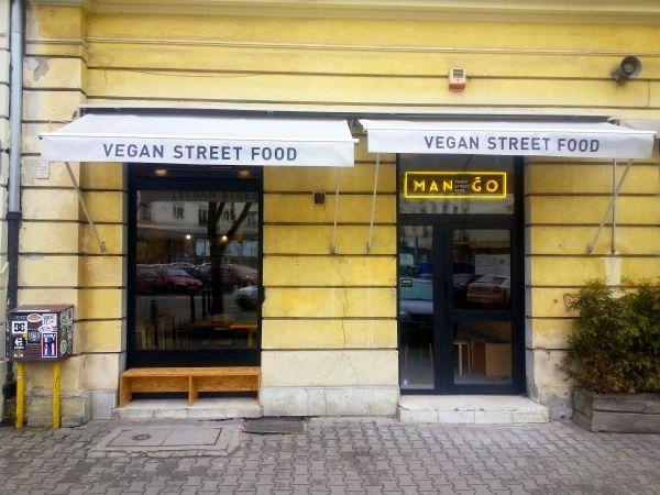 mango-vegan-street-food-Bracka 20 Warszawa