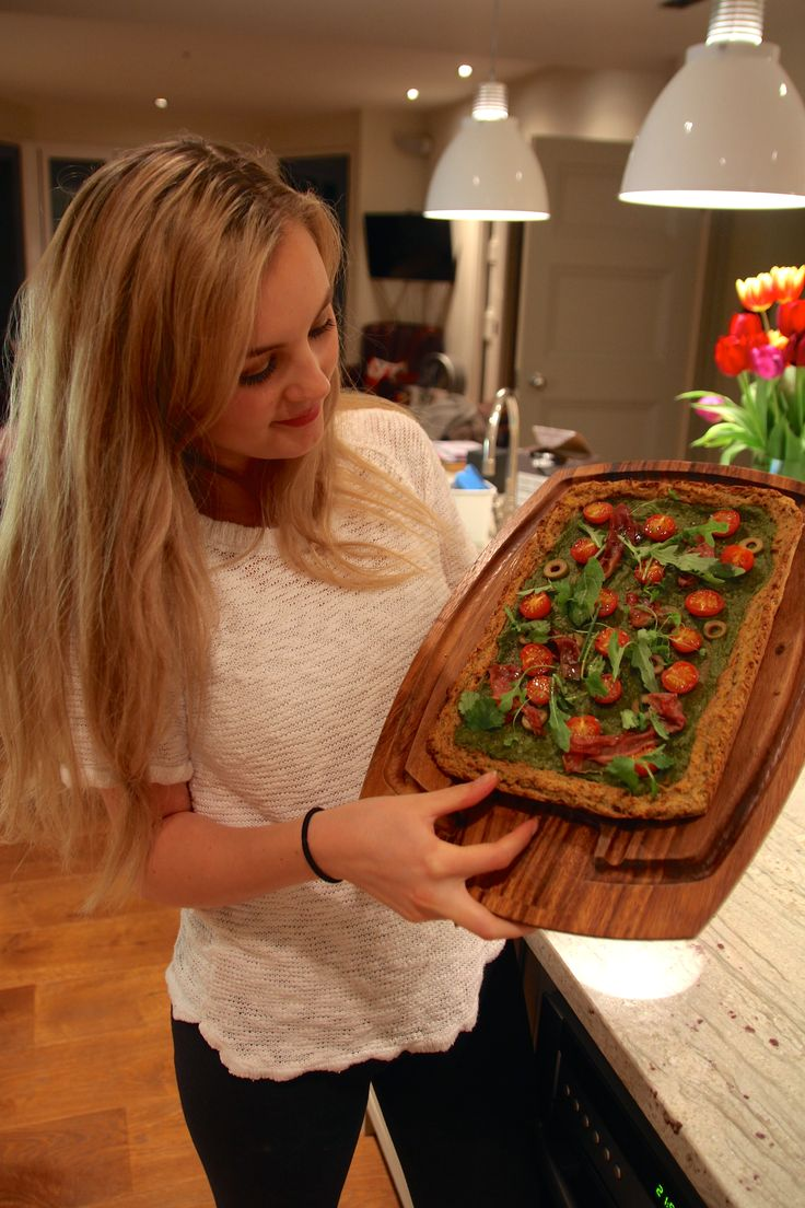 Niomi Smart - Homemade Healthy Pizza http://www.niomismart.com/2014/05/homemade-healthy-squash-pizza.html