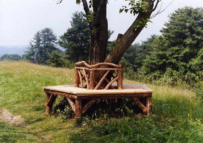 Poet's Walk Tree Bench