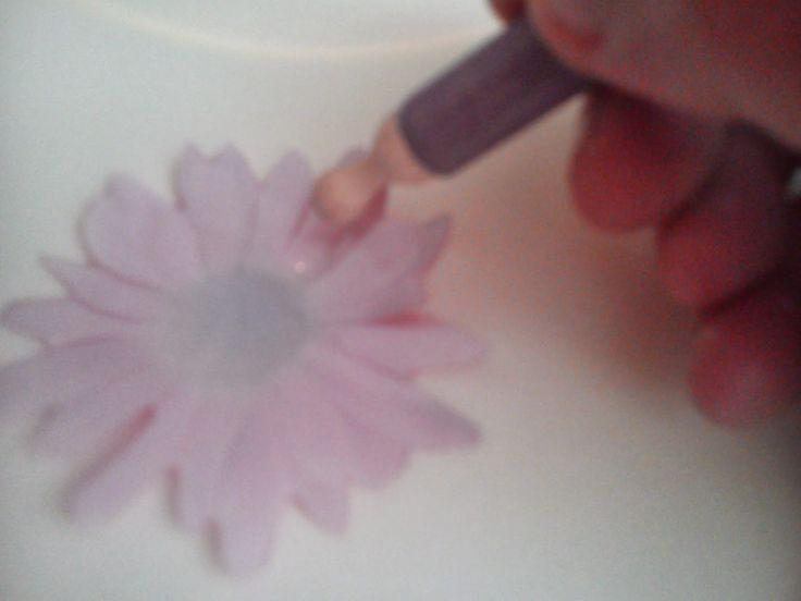 buenos dias chicas !!!  hoy os dejo un nuevo tutorial para que aprendais a trabajar el sospeso transparente , de trata de un material que es...