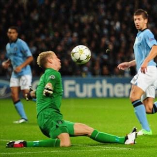 Joe Hart, Man. City & Mario Götze, Borussia | Man. City 1-1 Borussia. 03.10.12.