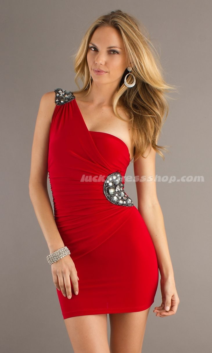 123 besten Sexy red dresses Bilder auf Pinterest | Ballkleider, Das ...