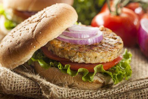 Cómo preparar unas hamburguesas saludables de lentejas y quinoa - Mejor con Salud