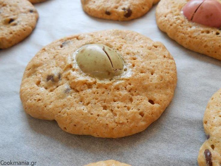 Cookies με σοκολατένια αυγά - http://www.cookmania.gr/recipe/cookies-%ce%bc%ce%b5-%cf%83%ce%bf%ce%ba%ce%bf%ce%bb%ce%b1%cf%84%ce%ad%ce%bd%ce%b9%ce%b1-%ce%b1%cf%85%ce%b3%ce%ac/