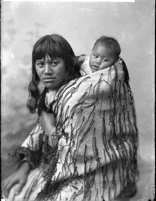 Rihipeti Kurahoro and child, at Koroniti - Photograph taken by William Henry Thomas Partington