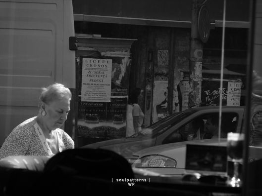 street-life-from-a-window-4