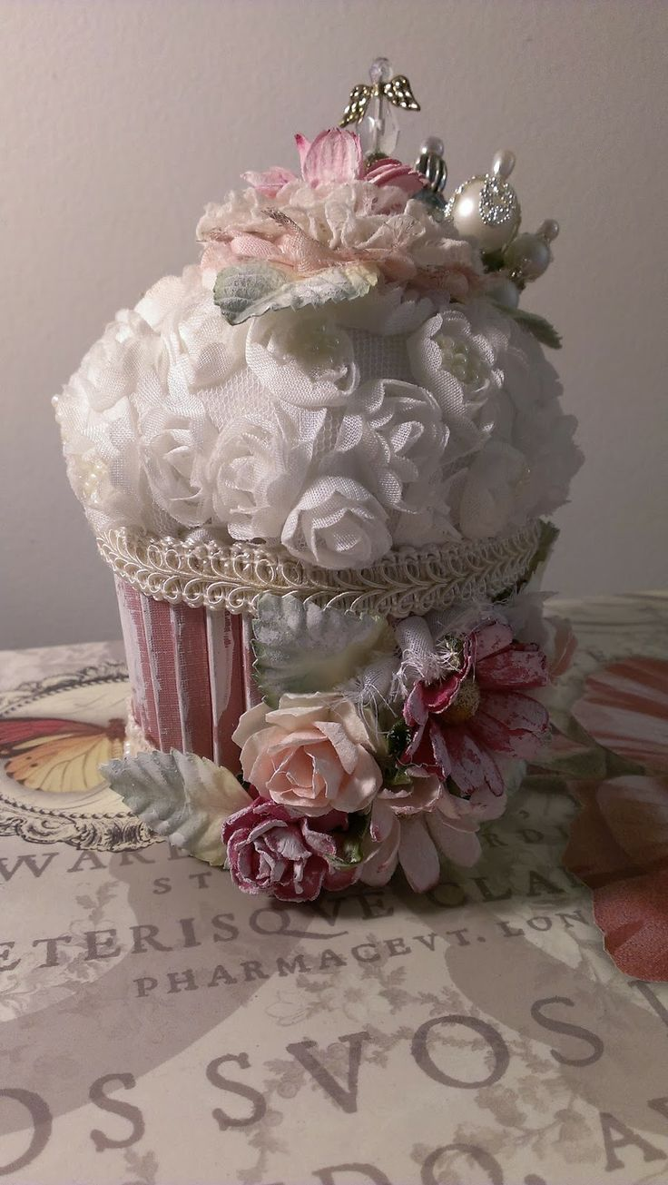 Kitty'sScrapPost: Shabby Chic Cupcake Pincusion, stand, chunky charm and altered frame