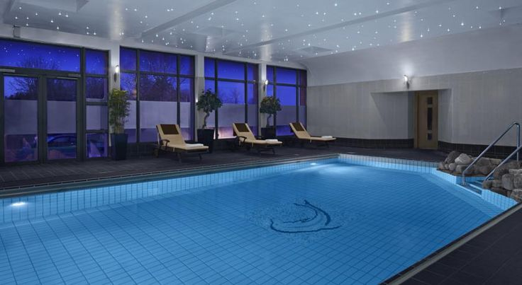 Radisson BLU Hotel and Spa, Limerick Limerick Set in 20 acres of landscaped gardens, this Radisson Blu Hotel and Spa offers luxury accommodation, free parking, and an award-winning restaurant. Guests can relax with the Rain Spa & Wellness Clinic, leisure facilities, and 2 bars.