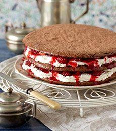 Chocolate Macaron Cake
