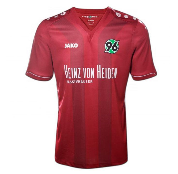 ALLE Bundesliga-Trikots der neuen Saison: http://www.langweiledich.net/2014/07/alle-bundesliga-trikots-201415/