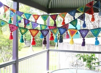 Saw some crochet prayer flags like these in the foggy Bottom Knit shop in Ferndale CA.  I love 'em