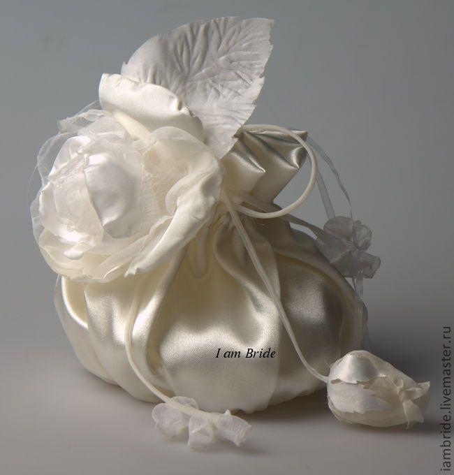 Купить Дизайнерская свадебная сумочка. - белый, сумочка для невесты, свадебные сумки, атлас, искусственные цветы